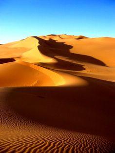 intothegreatunknown:  Sahara | Libya  #colour #desert #beauty