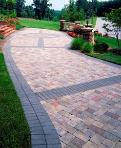 Image from http://futurehousehome.com/wp-content/uploads/2015/06/Paver-Designs-For-Backyards.jpg.