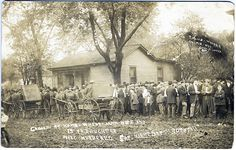Monmouth IL. Crowd outside Dawson's home the day after William (father), Charity (mother), and Georgie (13 yr old daughter) were murdered while they slept. 10/01/1911 - A few blocks from George and Effie Colbert.