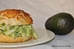 Sándwich de pollo y aguacate - Chicken and avocado sandwich. English and spanish recipe