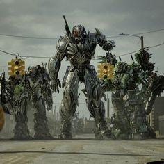 Will be posting up 4K screenshots of Transformers: The Last Knight soon. • #Transformers #Transformers5 #TransformersTheLastKnight #Decepticons #Megatron #Onslaught #NitroZeus