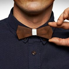 Introducing a refreshing accessory for the debonair gentlemen class of today through an unusually concepted Arrow Wooden Bow Tie by BÖ.