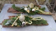 Rindengestecke Xmas Flowers, Grave Flowers, Home Flowers, Funeral Flowers, Christmas Mom, Outdoor Christmas, Christmas Wreaths, Christmas Decorations, Holiday Decor