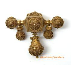 antique-filigree-work-pendant