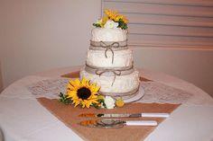 sunflower burlap wedding ideas | The Style Sisters: DIY country wedding - Centerpiece Wednesday