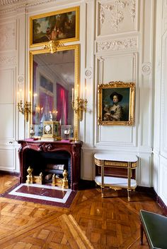 Versailles, Petit Trianon, with a Red Griotte fireplace mantel French Interior, Classic Interior, Marie Antoinette, Interior Styling, Interior Design, Paris Home, Palace Of Versailles, French Architecture, Interior Inspiration