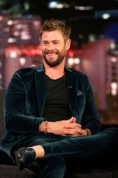 "Chris Hemsworth is Mr. Smooth on ""Jimmy Kimmel Live!"" 