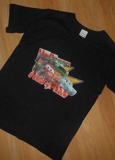 Kaufe meinen Artikel bei #Mamikreisel http://www.mamikreisel.de/kleidung-fur-jungs/kurzarmelige-t-shirts/30277285-t-shirt-gr-146-152-cars-guter-zustand