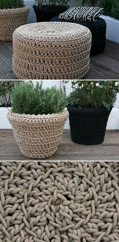 Crocheted poufs and pots. VARSINKIN TUO KUKKARUUKKUVIRKKAUS! :)