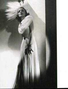 "Marlene Dietrich - Foto dal libro ""The Dress"""