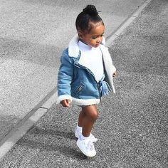 Shared by Harriët Taylor. Find images and videos about baby on We Heart It - the app to get lost in what you love. Little Kid Fashion, Cute Little Girls Outfits, Cute Kids Fashion, Baby Outfits, Kids Outfits Girls, Toddler Girl Outfits, Baby Girl Fashion, Mode Outfits, Babies Fashion