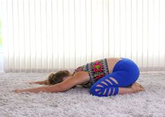 If you are suffering from lower back or hip pain, you're not alone. These easy stretches can be done just about anywhere to relieve lower back and hip pain Fitness Workouts, At Home Workouts, Yoga Workouts, Easy Stretches, Stretching Exercises, Hip Pain, Low Back Pain, Massage Dos, Psoas Release