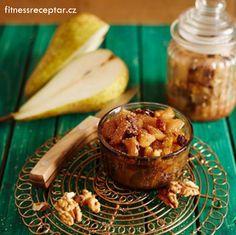 Podzimní hruškové čatní s vlašskými ořechy a rozinkami Chutney, Hummus, Rum, Camembert Cheese, Salsa, Muffin, Breakfast, Ethnic Recipes, Food