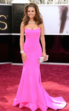 The correspondent worked her strapless Romona Keveza pink gown at the 2013 Academy Awards.
