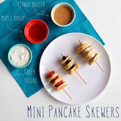 We love this Mini Pancake Skewer idea from our friends at @Chobani ! We used refrigerated and/or frozen mini pancakes to save time. A fun breakfast idea for sure!