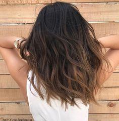 Coiffure balayage cheveux long, mi long et court - explorez les dernières tendances ! Medium Hairstyles, Curly Hairstyles, Short Haircuts, Haircut Short, Trending Hairstyles, Everyday Hairstyles, Hair Inspo, Hair Inspiration, Brown Hair Balayage