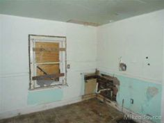 TWO BEDROOM BUNGALOW WITH 1 BATH. THIS IS A FANNIE MAE HOMEPATH PROPERTY.