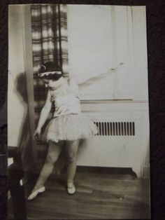 YOUNG-GIRL-IN-A-BALLERINA-COSTUME-POSING-Vintage-1920s-PHOTO