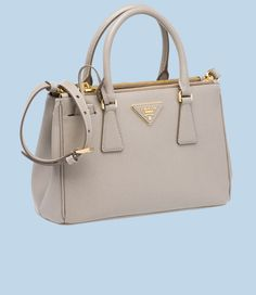 http://www.bagshoes.net/img/For-more-Prada-women-bags3.jpg