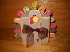 Thanksgiving Apple Turkey CraftMake this apple turkey craft on Thanksgiving Day as a fun family activity or beforehand for a Thanksgiving decoration. Fun Thanksgiving activity for kids.Original reindeer blockhead kit Easy Thanksgiving Crafts For Kids Kids Crafts, 2x4 Crafts, Craft Stick Crafts, Craft Projects, Craft Sticks, Craft Ideas, Diy Turkey Crafts, Wood Projects, Weekend Projects