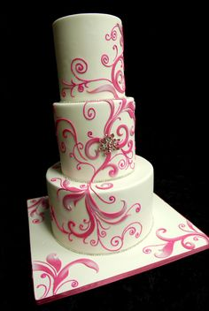 Love the masterful use of pink . . . and bling! By Elegant Temptations Cakes in Miami.