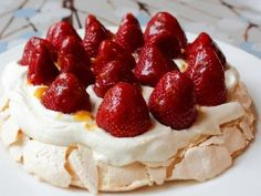 Fresh Strawberry Pavlova