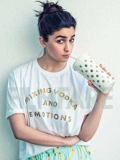 Alia Bhatt Bold Beautiful Pictures And Wallpapers 2019 Indian Bollywood Actress, Bollywood Fashion, Indian Actresses, Indian Celebrities, Bollywood Celebrities, Beautiful Celebrities, Alia Bhatt Photoshoot, Aalia Bhatt, Alia Bhatt Cute