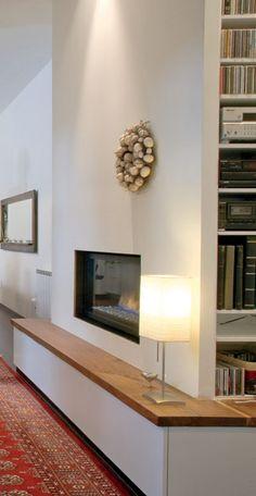 fixation murale tv et chemin e sur le m me mur en 39 id es chemin es salons et chic. Black Bedroom Furniture Sets. Home Design Ideas