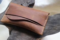 Handmade ,phone wallet, mobile phone protective cover, a simple brown leather Slim wallets, leathe Thick Leather, Cow Leather, Leather Totes, Leather Purses, Slim Wallet, Phone Wallet, Handmade Leather Wallet, Work Bags, Small Handbags