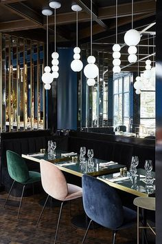 PEARLS Suspension Lamp at Le Roch Hotel & Spa in Paris. LED, mouthblown Glass, Brass or Chrome Detailing. Design by Benjamin Hopf. Interior Design by Sarah Lavoine. Design Hotel, Restaurant Design, Decoration Restaurant, Deco Restaurant, Hotel Decor, Luxury Restaurant, Restaurant Lighting, Restaurant Chairs, Vintage Restaurant