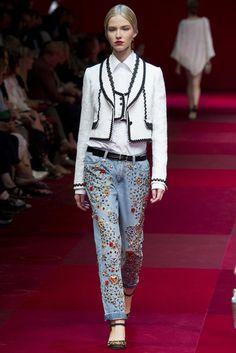 Jeans mit Ziersteinen von Dolce & Gabbana, Runway Frühjahr/Sommer 2015