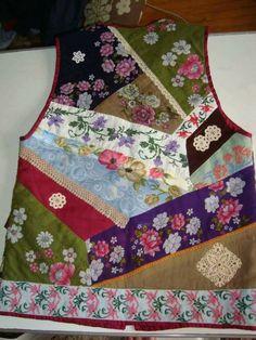 nermın kakuş Denim Vests, Altered Couture, Vest Pattern, Patchwork Dress, Applique Quilts, Sewing Techniques, Sewing Clothes, Wearable Art, Hand Embroidery