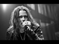 ► Myles Kennedy | Sexy and I Know It - YouTube