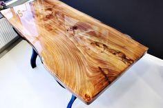 Iepen boomstamtafel, epoxy. 170 x 75 cm. Complete tafel vanaf 2.250,-- euro