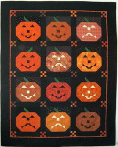 Fun Fall Quilt Ive made a very similar one . love how the eyes glow halloween quilling Halloween Quilts, Halloween Quilt Patterns, Halloween Sewing, Fall Sewing, Halloween Projects, Holidays Halloween, Halloween Fun, Halloween Decorations, Quilting Projects