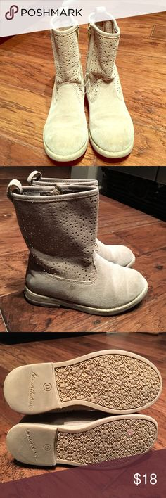 Hanna Andersson Girls Suede Boots In used but good condition. Some small scuffs on the front of the shoes and a stain that could be washed off. They zip on the side. Hanna Andersson Shoes Boots