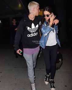 Justin and Selena Justin Bieber Selena Gomez, Justin Bieber Style, Justin Bieber And Selena, Justin Bieber Pictures, Cute Celebrity Couples, Cute Couples, Selena Gomez Photoshoot, Famous In Love, Costumes