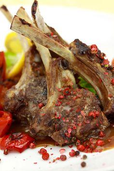 Lamb Chops with Tomato Sauce recipe by Cirio. Agnello con sugo di Pomodoro. Serves 4. Find more great Main Courses recipes at Kitchen Goddess. #lambrecipe