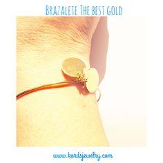 Brazalete para personalizar con los nombres de tus amores, con tus mejores momentos... Con las palabras que te definen... Shop: www.kordsjewelry.com