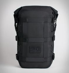 ALMS are a new motorcycle accessory brand based out of NYC, they specialise in gear specific for city riders. Their new 12L Cargo Tail Bag lets you experience backpack-free motorcycle commuting and speaks to the every need of a city rider, it is wate
