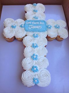Photo of Westchester Bakery - Los Angeles, CA, United States. Vanilla cupcakes with buttercream frosting in a cross design for a baptism party Boy Communion Cake, First Communion Party, Baptism Party, First Holy Communion, Baptism Ideas, Baptism Food, Baptism Desserts, Baby Boy Baptism, Boy Christening