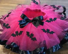 Wonder Woman inspired Tutu and Matching shirt | Etsy 4th Birthday Parties, Girl Birthday, Tulle Material, Fantasias Halloween, Kids Party Themes, Ideas Party, Tutus For Girls, Kids Girls, Pink Tulle