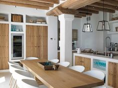 The fusion of Ibizan traditions with function, form, and taste is the hallmark of a Blakstad Ibiza house project. Kitchen Dinning, Rustic Kitchen, Kitchen Decor, Open Kitchen, Villa Design, House Design, Casa Loft, Spanish House, Design Consultant