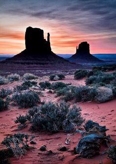 Southwest Sunrise, Monument Valley AZ