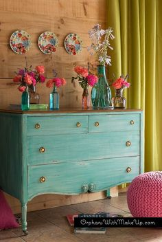 Gorgeous two-tone furniture makeovers that are the perfect combination of paint and stain. 20 two-tone furniture makeovers. Furniture Makeover, Diy Furniture, Dresser Makeovers, Blue Furniture, Painting Furniture, Plywood Furniture, Furniture Stores, Luxury Furniture, Modern Furniture