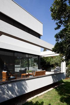 Suspended Architectural Design Connecting Indoor/Outdoor Spaces