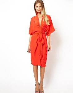 ASOS Tall Kimono Dress I suppose it resembles a robe but I think that's what I find most appealing about it. And that color! Look Kimono, Kimono Dress, Kimono Style, Tie Dress, Mode Xl, Best Wedding Guest Dresses, Wedding Guest Fashion, Nursing Dress For Wedding, Wedding Outfits