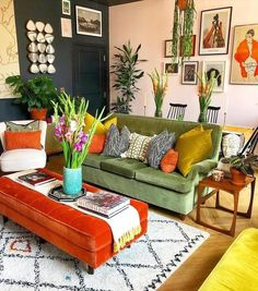 Retro Living Rooms, Colourful Living Room, Eclectic Living Room, Home Living Room, Eclectic Decor, Hippie Living Room, Colourful Bedroom, Eclectic Design, Living Room Inspiration