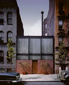 1950 - The Blanchette Hooker Rockefeller (Mrs. John D, III) Guest House, 242 East 52nd Street, New York NY. Built by Murphy-Brinkworth Construction Company. Left photo by Robert Damora. Intended for use as a social gathering place and modern art gallery. The second floor was meant to be a bedroom and has rarely been photographed. The house was donated to the Museum of Modern Art in 1955 after which it had several owners.