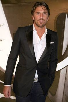 Henrik Lundqvist, New York Rangers. Best Dressed in Sweden, 2004.